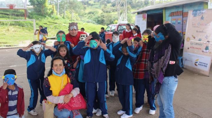 La Carreta de los Cuentos en Boyacá - MASCARAS